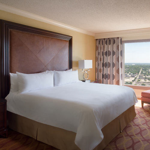 San Antonio Marriott Rivercenter Guest Room